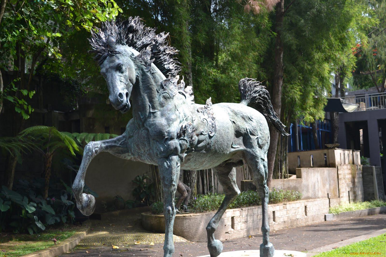 Картинки памятник лошади